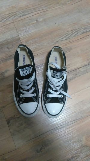 6a193a138a3 Converse low sneaker size 6 for Sale in San Jose
