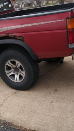 1996 Nissan Red 4 X 4 Standar for Sale in St. Louis,  MO