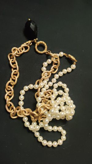 Pearls for Sale in Pleasant Hill, IA