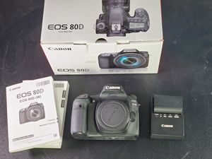 Canon EOS 80D (Body Only) for Sale in Glendale, CA