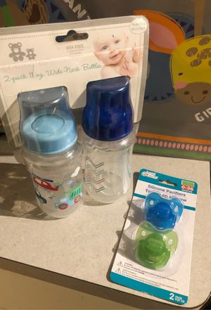 Bottles and pacifiers for Sale in San Antonio, TX