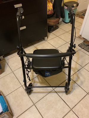 Brand new walker with seat for Sale in Miami, FL