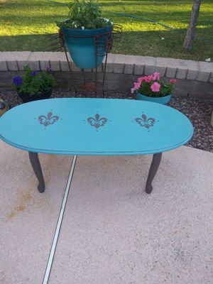 Coffee table for Sale in Mesa, AZ