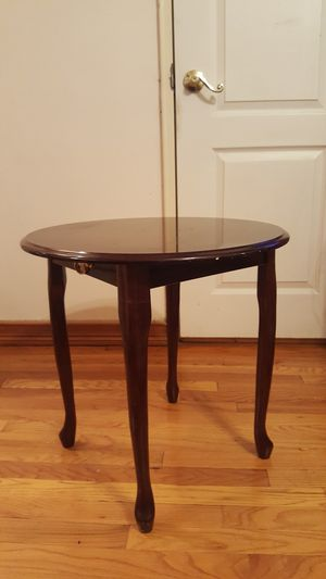 Coffee table very good condition for Sale in Brooklyn, NY