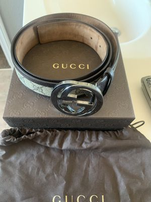 Authentic Gucci Belt w/ original box for Sale in Las Vegas, NV