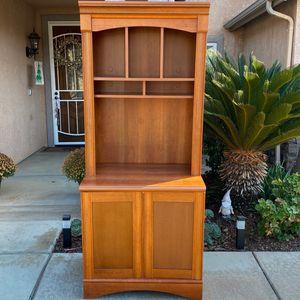 Free Cabinet for Sale in Visalia, CA