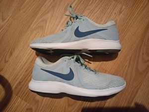 Womens Nike Shoes size 7 1/2 for Sale in Fresno, CA