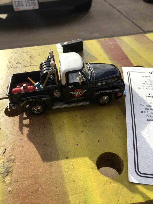 MATCHBOX COLLECTIBLE 1953 FORD F100 PICK UP FLYING A TIRE SERVICE