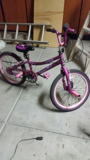Girls 20 inch bike for Sale in Phoenix, AZ