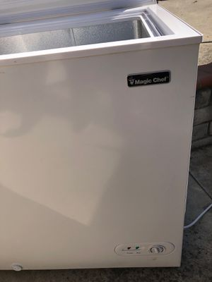 Chest freezer by Magic Chef like new 5 cubic for Sale in El Cajon, CA