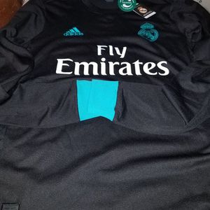 17/18 REAL MADRID LONG SLEEVE AWAY JERSEY for Sale in Pico Rivera, CA