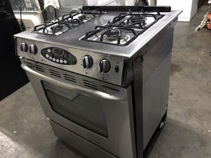 Stove Maytag for Sale in Lynwood, CA