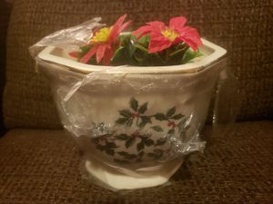 Formalities by Baum Bros. Holly Collection Flower Pot for Sale in Patsey, KY