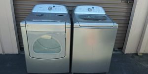 Whirlpool set of washer and Gas dryer for Sale in Escondido, CA