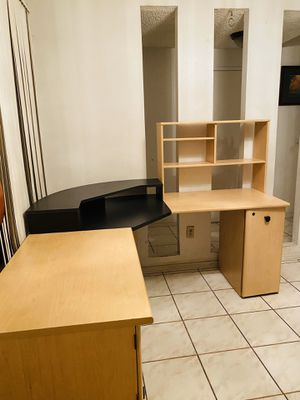 """Large """"L Shape"""" office desk w hutch and center monitor riser for Sale in San Diego, CA"""