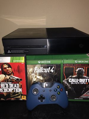 Xbox One with controller and 3 games included for Sale in Montclair, CA