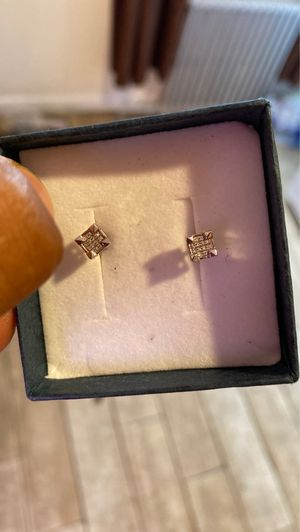 Men's white gold 14k ear rings for Sale in Yonkers, NY