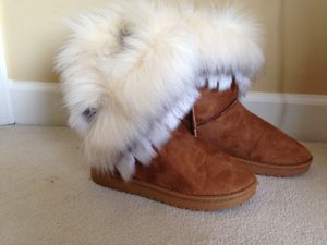 New Brown Boots with White Fur 6.5size for Sale in Reston, VA