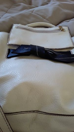 Valentino Garavani leather purse for Sale in Charlottesville, VA