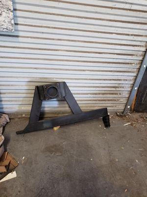 Hummer h2 tire bracket for Sale in Seminole, FL
