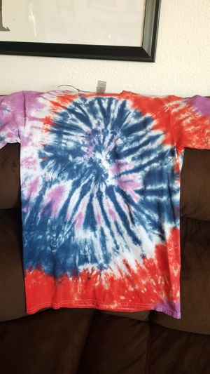 New tie dye shirt size adult small for Sale in Yelm, WA