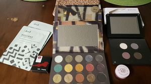 45$ all brand new makeup for Sale in Glendale, AZ