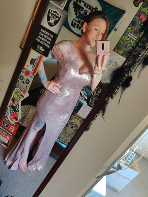 Beautiful rose gold mermaid sequin dress size large for Sale in Milpitas, CA