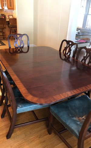 Dining room table for Sale in Fort Meade, FL