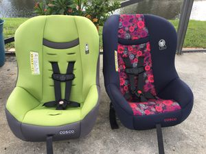 Lightweight Convertible Car Seat * 2 available for Sale in West Palm Beach, FL