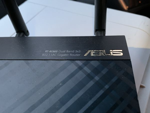 Asus dual band rt-ac66u WIRELESS WIFI ROUTER 802.11 GIGABIT