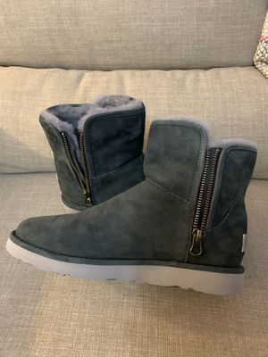 New women's suede green UGG size 7 for Sale in Lynnwood, WA