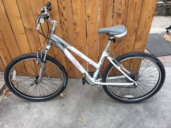 Women S Trek 3700 Mountain Bike For Sale In Denver Co
