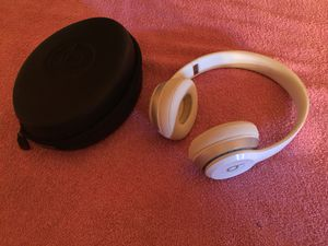 Powerbeats wireless Bluetooth headphones in ear used condition good for Sale in Los Angeles, CA