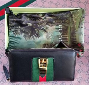 Gucci Wallet for Sale in Vernon, CA