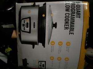 NEW Bella 5-qt Programable slow cooker for Sale in Washington, DC