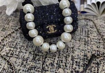 Chanel Chic Mini Pearls Bag for Sale in Cedar Hill,  TX