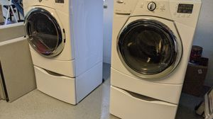 Whirlpool Duet Washer and Dryer with Pedestals ***read*** for Sale in Fort Lauderdale, FL