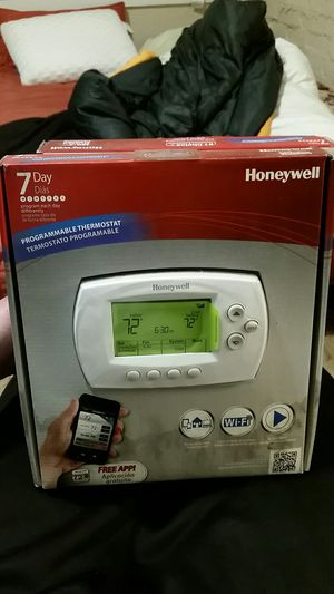 Honeywell (wifi)programmable thermostat for Sale in Seattle, WA