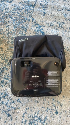 Epson projection in excellent condition for Sale in Tampa, FL