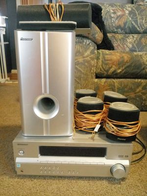 Pioneer audio receiver surround system. W/ remote and speakers. Working condition. $30.00 for Sale in Columbus, OH