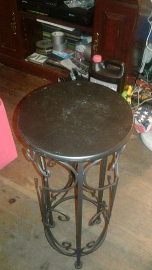 Nice lamp or plant stand for Sale in Lexington, KY