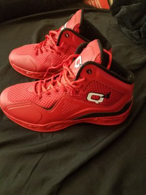 Q'4 Sport basketball Shoes size 11 seminuevo for Sale in Huntington Park, CA