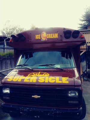 Chevy ice cream truck/ party bus ready to work 1983 low miles for Sale in Seattle, WA