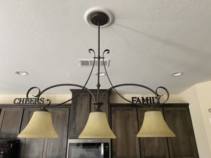 3 light Kitchen Island Pendant for Sale in Pumpkin Center, CA