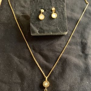 New set Of Necklace and Earrings for Sale in Hollywood, FL