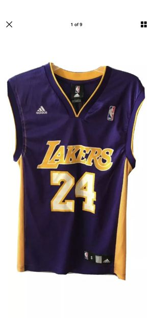 Adidas Kobe Bryant jersey #24 los Ángeles Lakers men's size small for Sale in Los Angeles, CA