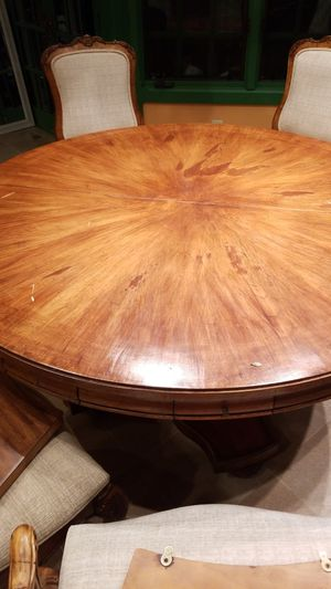 Solid wood 5ft to 7ft kitchen table with 7 chairs for Sale in Rockville, MD
