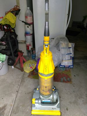 Dyston vacuum for Sale in MENTOR ON THE, OH