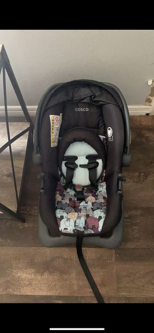 Car seat and base for Sale in Port Charlotte, FL