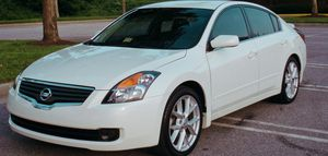Clean CarFax 2007 Nissan Altima Nice seats for Sale in Columbus, OH